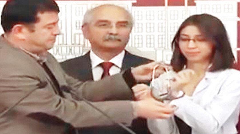 CHP'li Ağbaba, terörist Özge Aydın'a Meclis'te basın açıklaması yaptırırken...