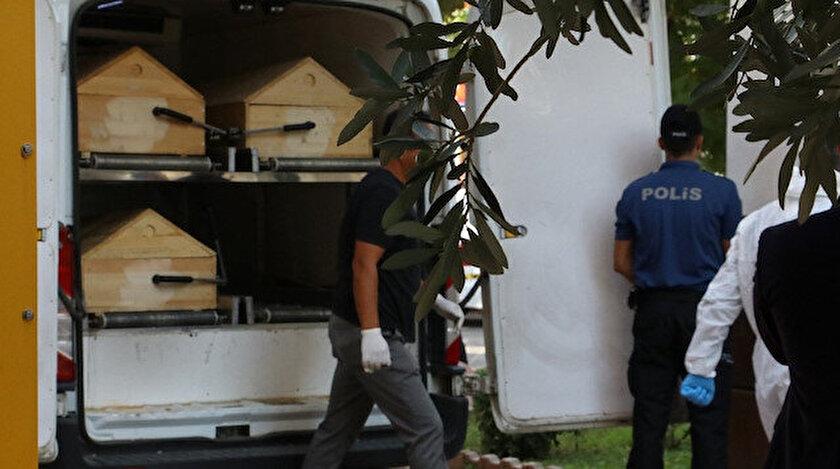 Antalya'da ikisi çocuk 4 kişilik aile evlerinde ölü bulundu.