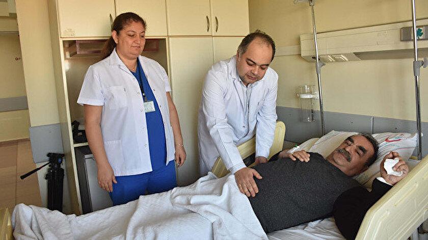 Ürolog Doç. Dr. Yiğit Akın ve hastası