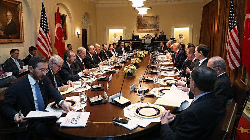 Erdoğan ile Trump arasındaki görüşmede 'Türkiye'nin Terörle Mücadelesi' başlıklı kitapçık dikkatleri üzerine çekmişti.