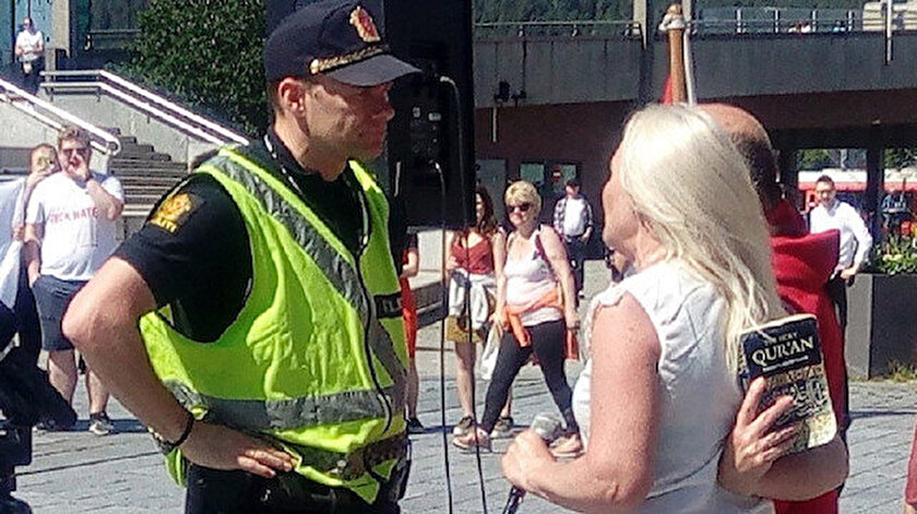 Norveç'te İslam karşıtı gösteride Kur'an-ı Kerim provakasyonu yaşandı.