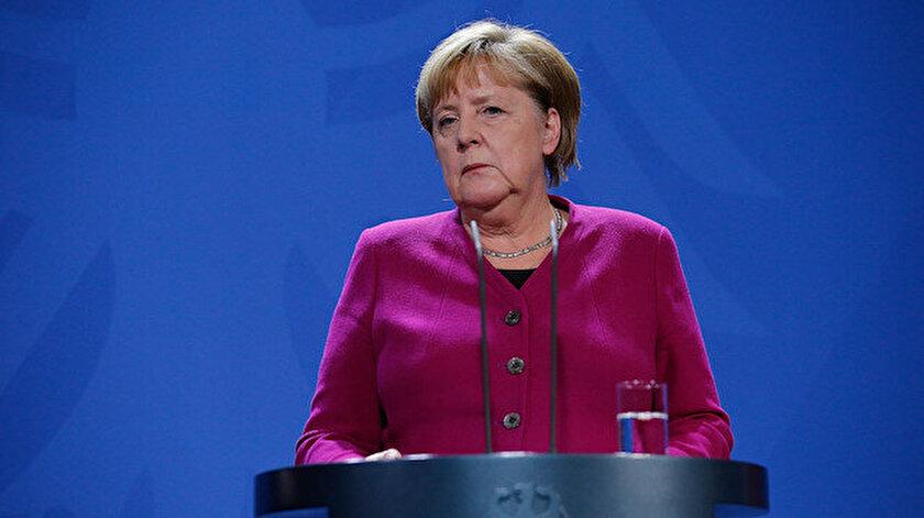 Merkel: Avrupa tek başına kendini savunamaz Türkiyenin NATO üyesi kalması lazım