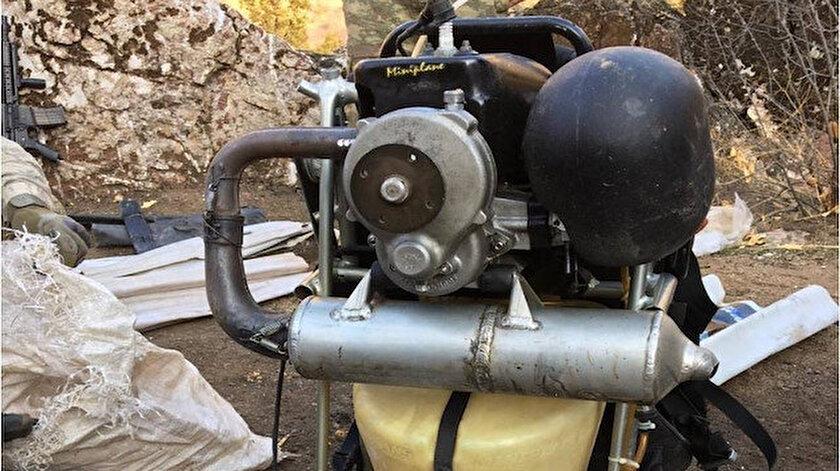 Pençe harekatında ele geçirilen paramotor.
