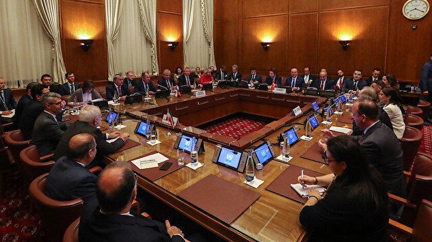 Suriye Anayasa Komitesi 45 kişilik yazım kurulu toplantıları