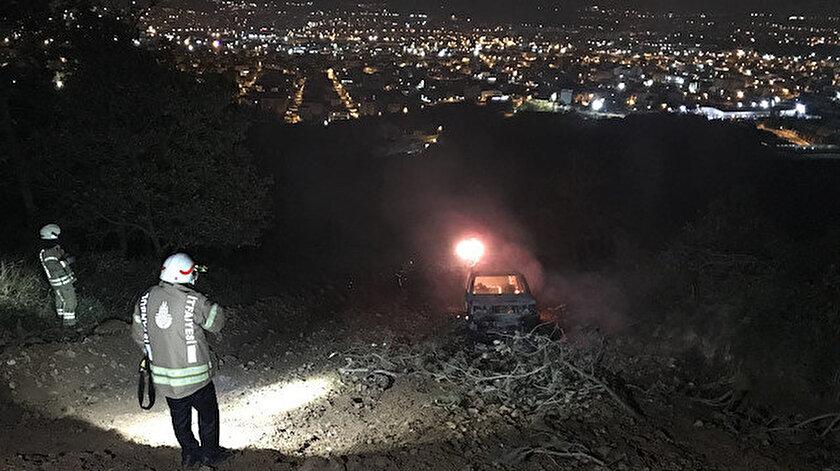 Ataşehir'de cip ormanlık alanda alev alev yandı