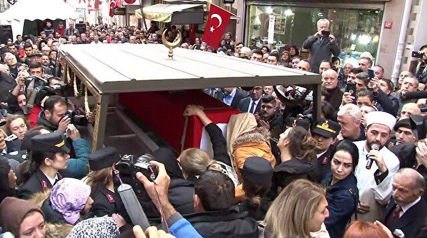 Bomba imha uzmanı şehit Esra Çevik için cenaze töreni düzenlendi.