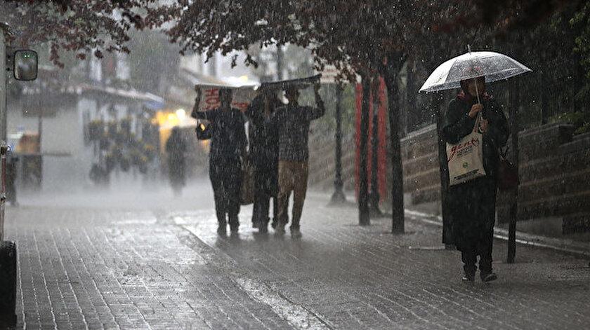 Meteorolojiden Antalya'ya aşırı yağış uyarısı yapıldı.