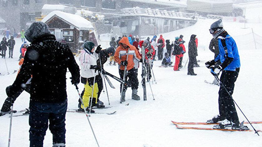 Yeni yıla kayak merkezlerinde girmenin bedeli 10 bin TL