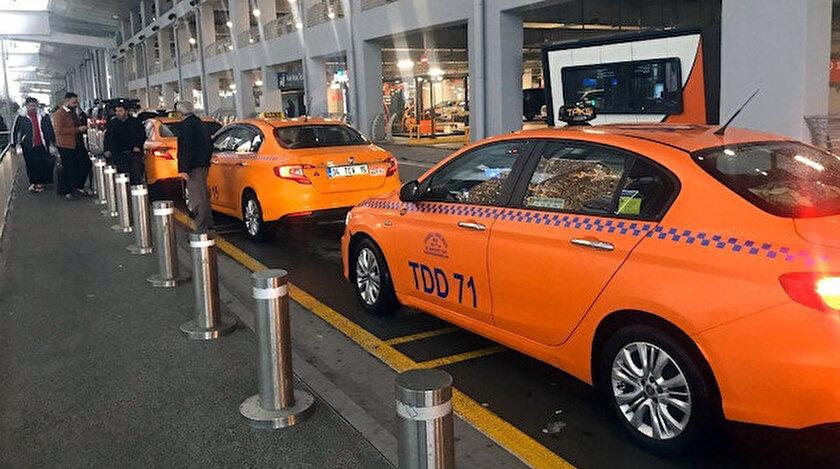 Cumhurbaşkanı Recep Tayyip Erdoğan'ın katılımıyla tanıtımı yapılan yerli otomobile bir destekte İstanbul Havalimanı taksiciler kooperatifi üyelerinden geldi.