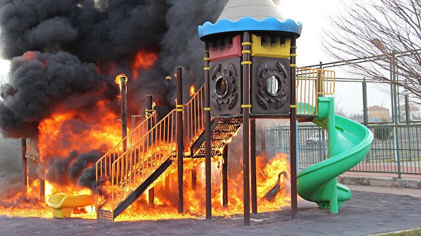 Yangın olay yerine gelen itfaiye ekiplerince söndürüldü.