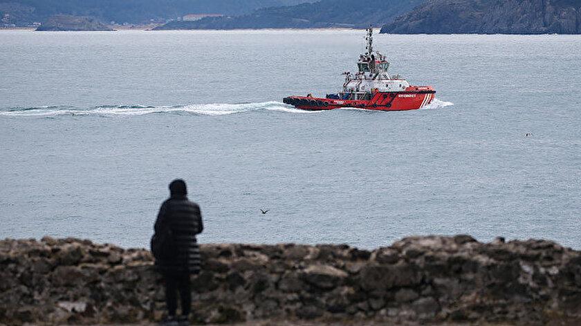 Kilyos'taki kazanın ardından kaybolan balıkçıları arama çalışmaları sürüyor.