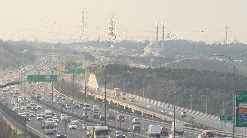 Uzmanlar, İstanbul'da hava kirliliği değerleri üst seviyede çıktığını belirtti.