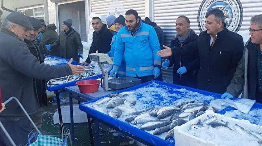 Belediyeden balık tanzim satış noktası.