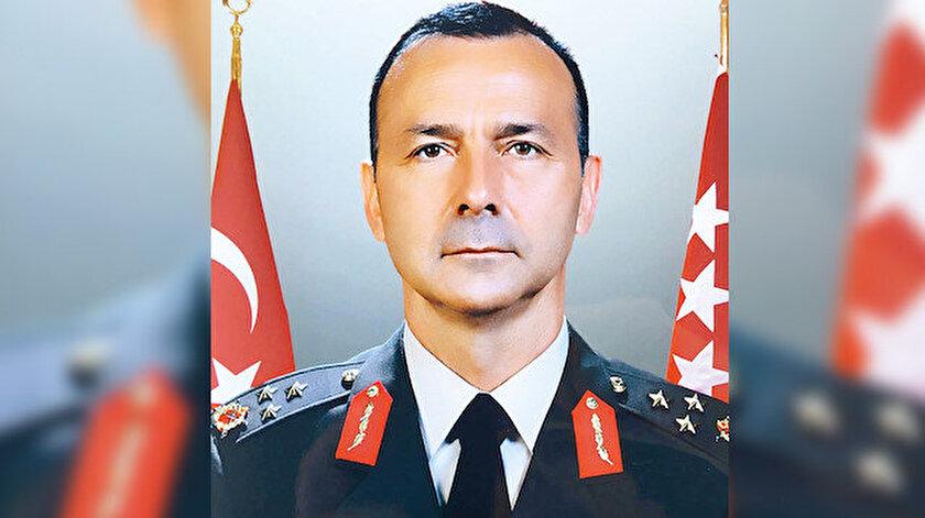 İyidil, darbe girişiminin devam ettiği 16 Temmuz sabahı Ankara Etimesgut'taki Zırhlı Birlikler Okulu'na silahlı ve sivil kıyafetle gelmişti. Tümendeki darbecileri derdest eden Binbaşı Barış Dedebağı, İyidil'in tutuklamaları engellemek için geldiğini ve buna izin vermediklerini savunmuştu.