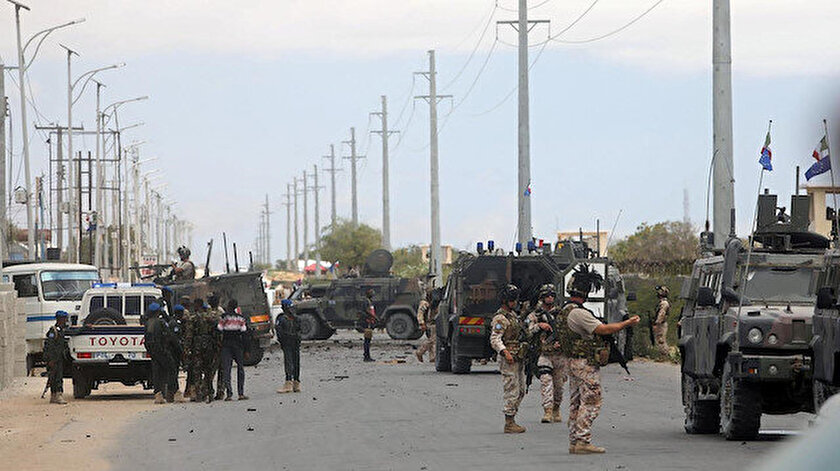 Somali'de terör örgütlerinin düzenlediği saldırılarda aralarında Türklerin de olduğu çok sayıda sivil hayatını kaybetti.
