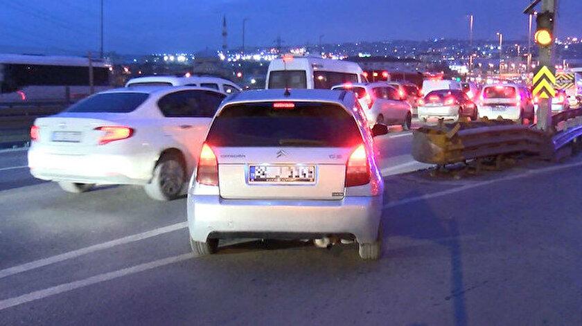 Trafik kurallarını ihlal eden araçlar görüntülendi.