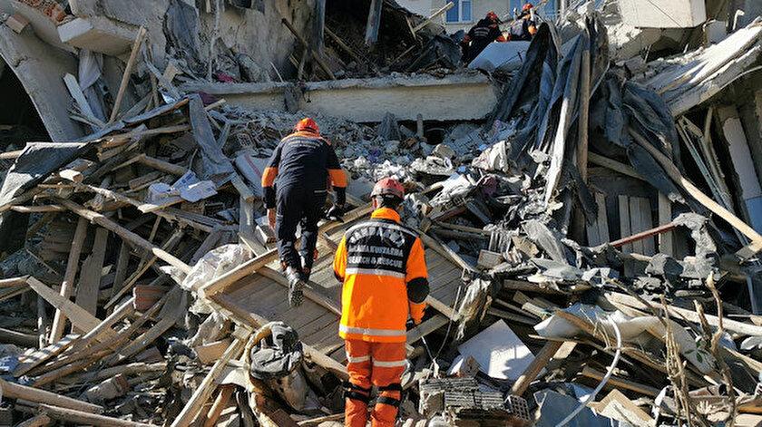 Elazığ'da depremde yıkılan binalar