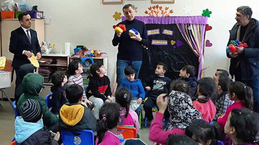 Bakan Selçuk Elazığ'da meydana gelen deprem sonrasında, ile gelerek okullarda inceleme yaptı.