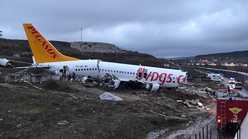 177 yolcu ve 6 kişilik mürettebatın bulunduğu uçak kazasında 3 kişi hayatını kaybetti.