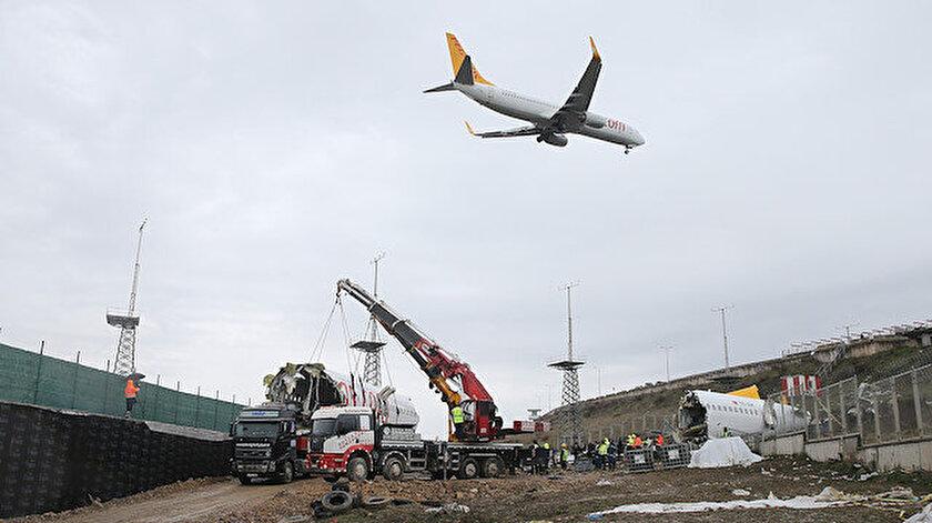 Pegasus'un kırıma uğrayan uçağının enkazı kaldırıldı.