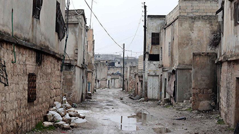 İdlib'in ilçeleri ile kırsalındaki bölgelerde yaşayan 2 milyona yakın insan, zorunlu olarak göç etti.
