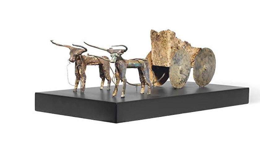 Milattan önce 2000 tarihli kağnı heykeli