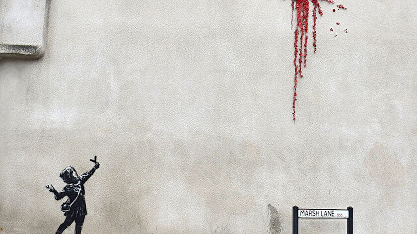 Banksy'nin yeni eseri Bristol kentinde ortaya çıktı.