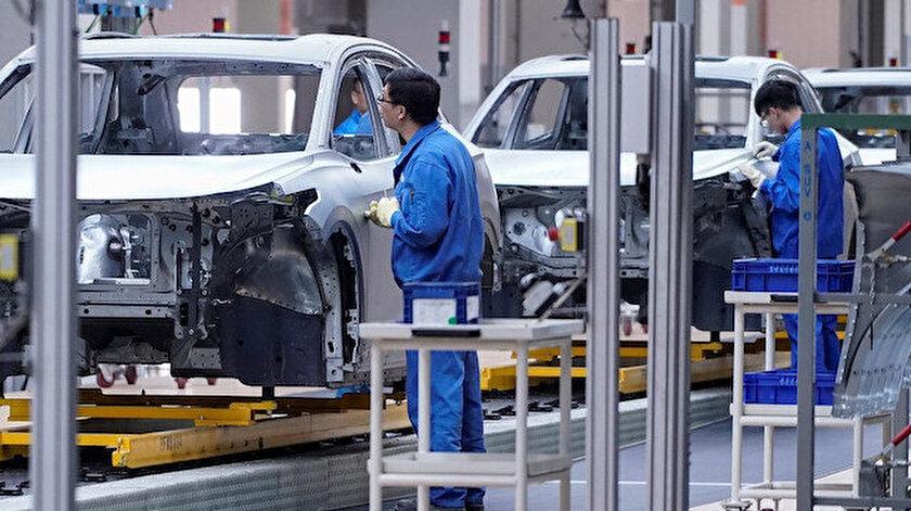 2 binden fazla kişinin hayatını kaybettiği virüs salgını nedeniyle otomotiv üreticileri üretimlerine ara vermişti.