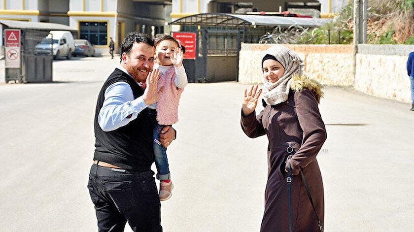 İdlib'e düşen bombaları babasının telkiniyle 'oyun' sanan küçük kız, İçişleri Bakanı Soylu'nun girişimiyle Türkiye'ye getirildi