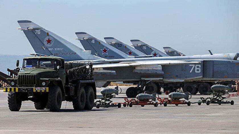 Rusya, Suriye'deki çok sayıda havaalanını üs olarak kullanıyor. Hmeymim'deki askeri havaalanı da bunlardan biri. (Arşiv)