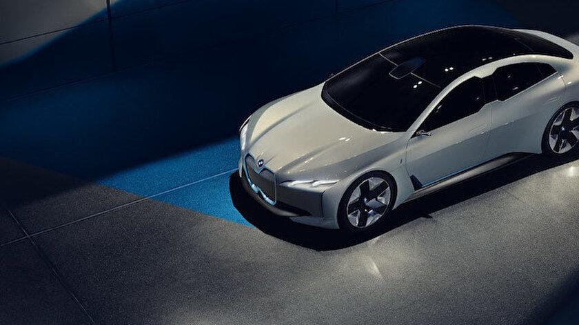 BMW  İ4 modeli.