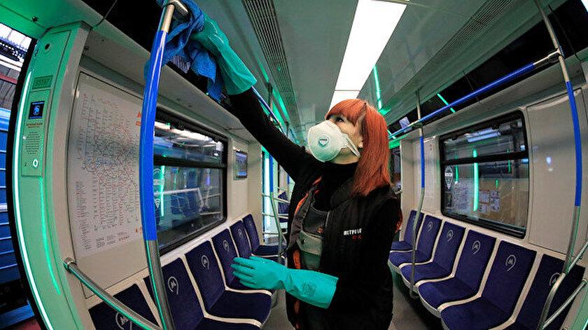 Rusya'da açık alanlar dezenfekte ediliyor.