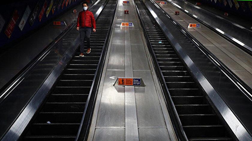 Londra'da koronavirüsle mücadele kapsamında metro hatları kısmen kapatıldı.