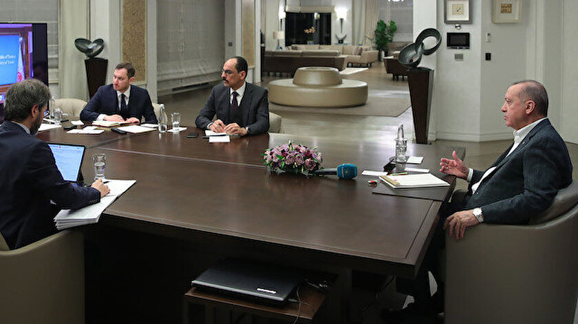Cumhurbaşkanı Erdoğan'ın video konferans yoluyla gerçekleştirdiği toplantıdan bir görüntü.