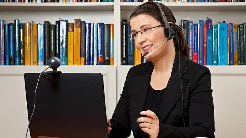 Doktoruna yüz yüze ulaşamayan danışanlar için online terapi en sık kullanılan yöntemlerden biri.