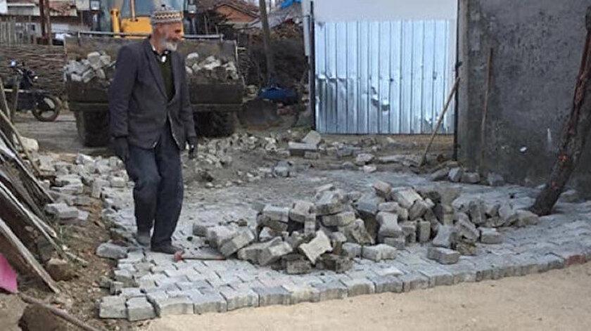 Köylüler çıkma taşları sokaklara döşedi.