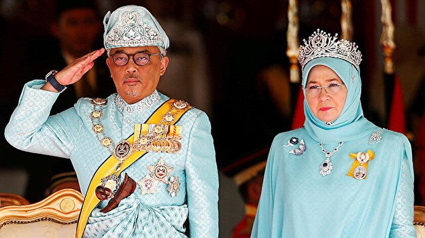 Malezya Kralı ve Kraliçesi karantinaya alındı.