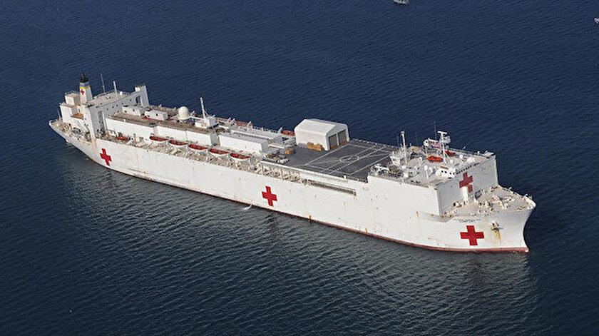 ABD donanmasına bağlı Comfort isimli hastane gemisi