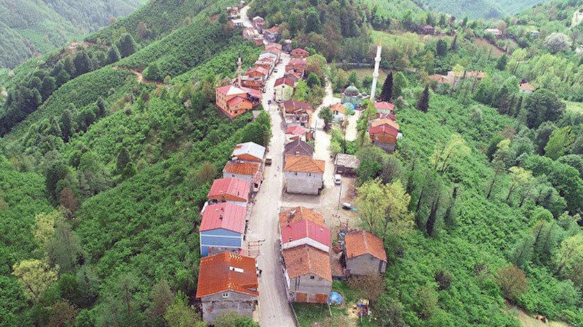 Elimdağ ve Şentepe mahallelerini, 7 metre genişliğindeki yol ayırıyor.