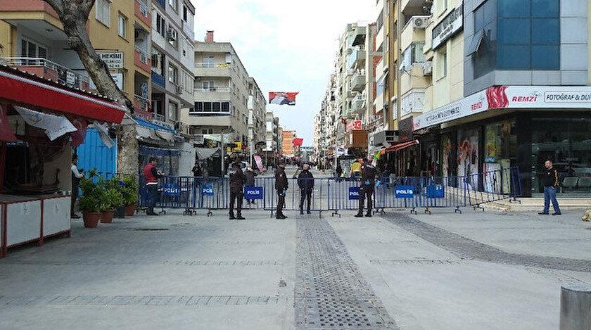 Sosyal izolasyon kurallarına uymayan İzmirlileri polis engelleyecek.