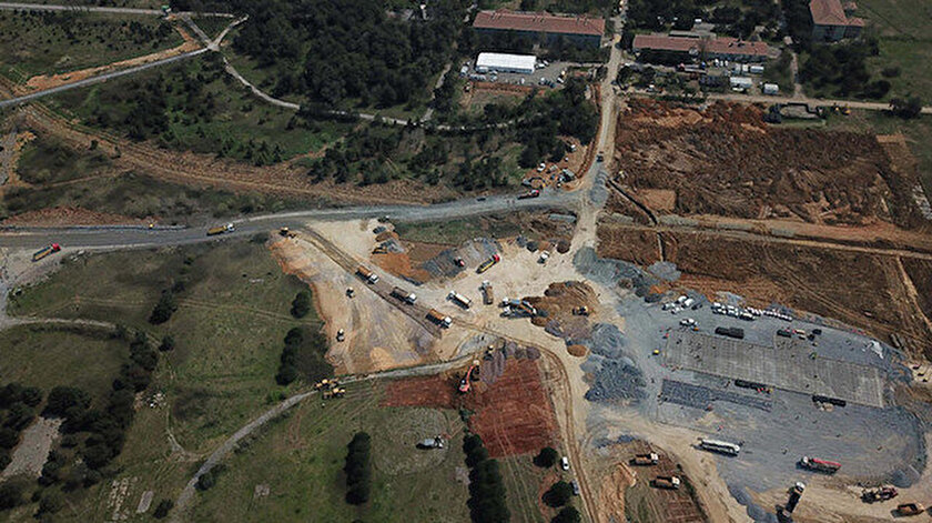 Sancaktepe'de kurulacak sahra hastanesine ilişkin görüntüler havadan görüntülendi.