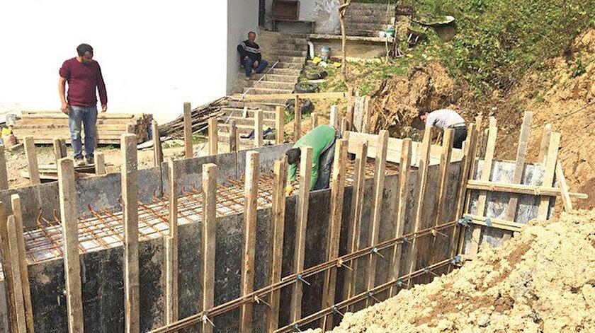 Trabzon Büyükşehir Belediyesi şehrin çeşitli yerlerindeki onarım çalışmalarını sürdürüyor.