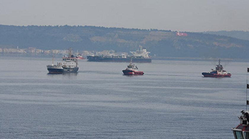 Çanakkale Boğazında arızalanan gemi sürüklendi