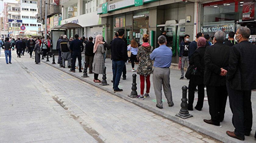 Sokağa çıkma kısıtlamasının uygulanacağı 18 Mayıs Pazartesi günü banka şubeleri de kapalı olacak.
