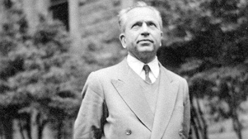 Fikir adamı, ahlâk felsefecisi ve Hareket dergisinin kurucusu Nurettin Topçu.