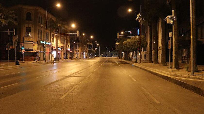 İstanbul'da sokaklar sessizliğe büründü.