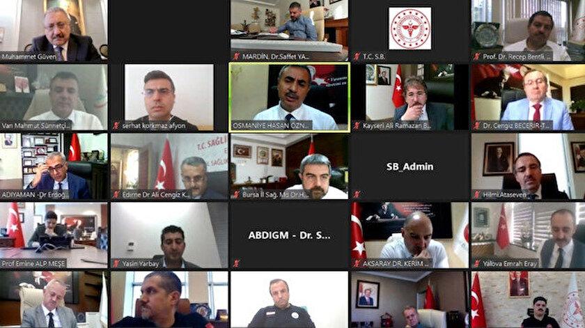 Bakan Koca, 81 il sağlık müdürüyle bayram öncesi online toplantı yaptı.