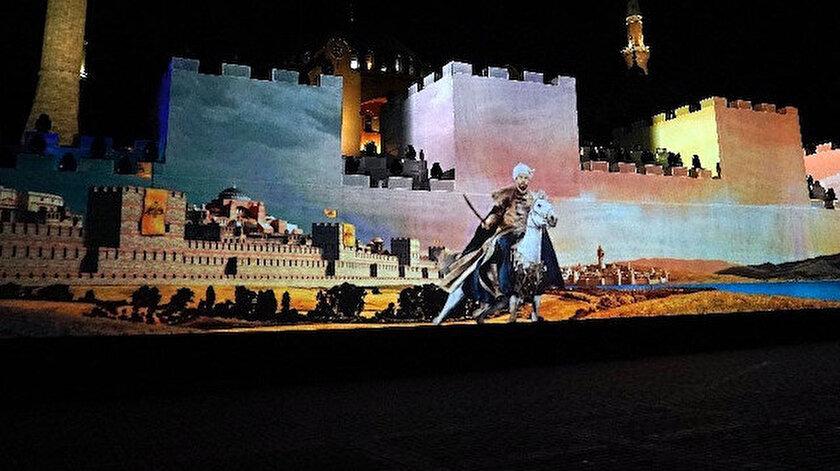 Ayasofya önünde İstanbul'un fethi canlandırıldı.