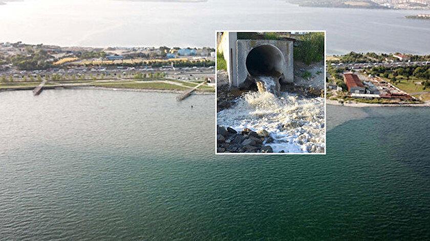 Küçükçemece ile Avcılar arasındaki İSKİ arıtma sisteminden denize akan kirli su nedeniyle oluşan kirlilik.