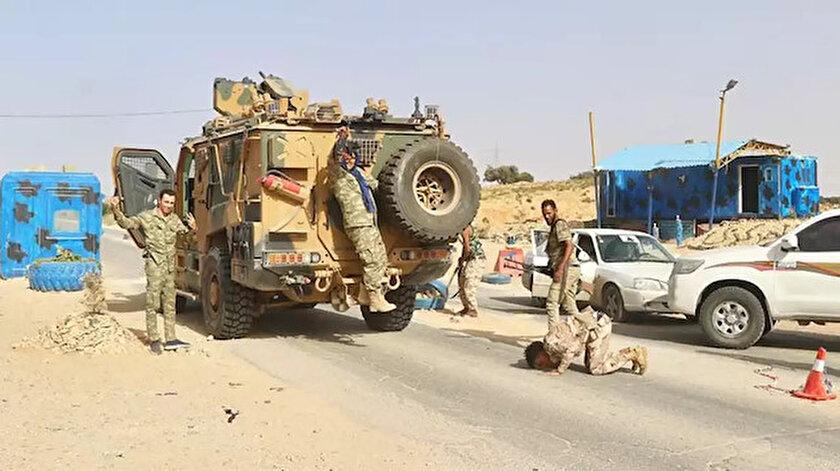 Arşiv/ Libya ordusu Sirte'ye doğru ilerliyor